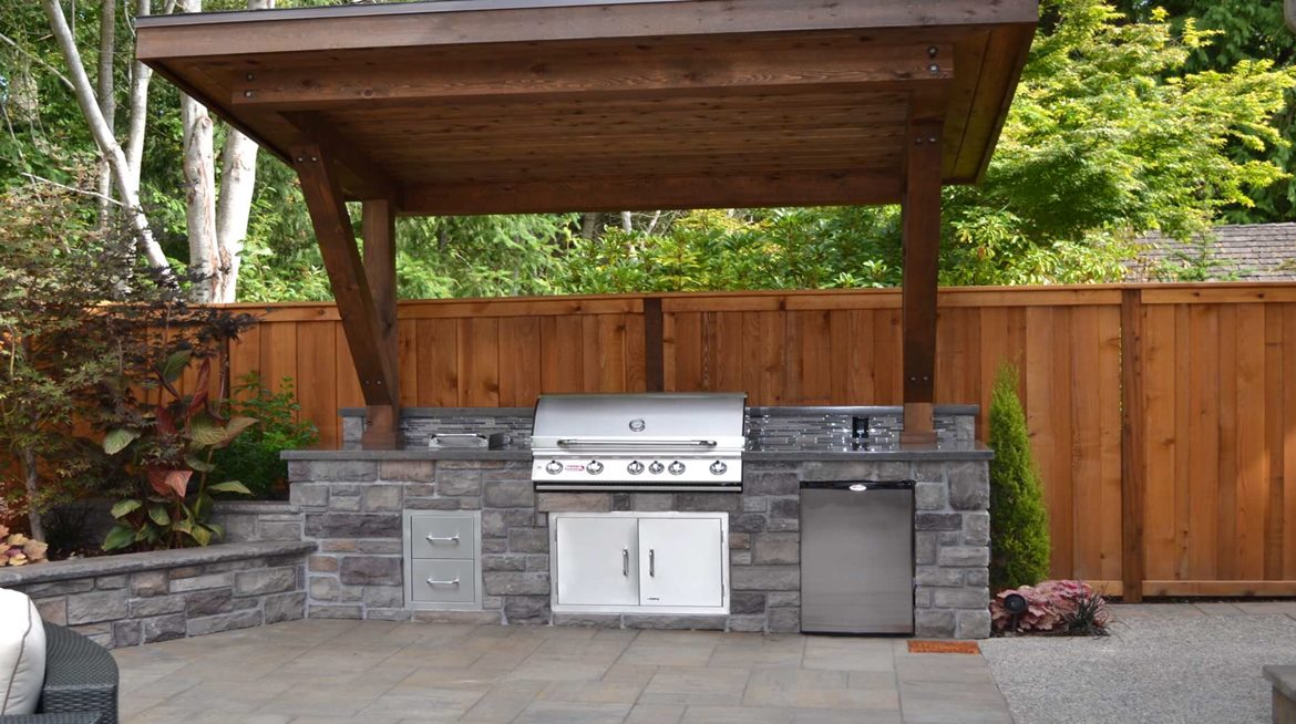 Out Door Kitchens and Pavers